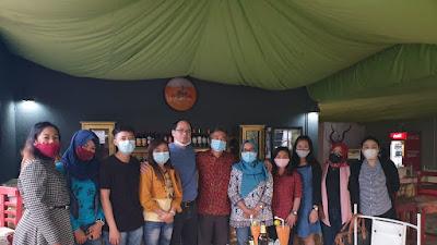 """Para Karyawan Pabrik Itu """"Duta"""" Indonesia di Ethiopia"""