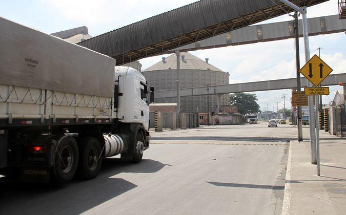 Caminhoneiros sofrem com roubo de cargas em Paranaguá