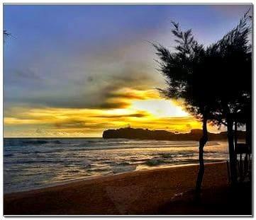 Pantai Sadranan sunset