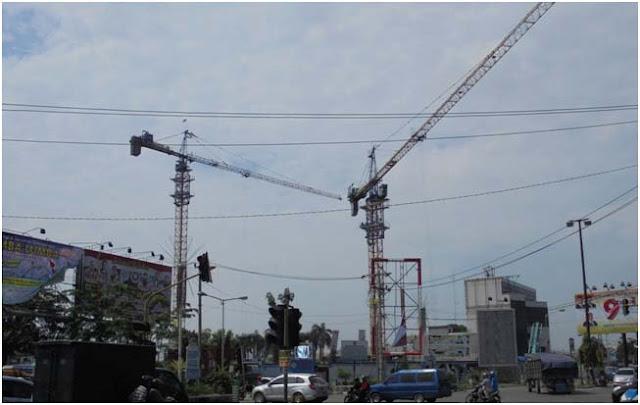 Medan terus menggeliat. Doube Crane di Jalan Ring Road (simpang Pondok Kelapa Medan)
