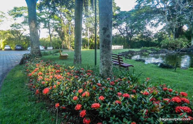 Jardins do Hotel San Martin Resort & Spa, em Foz do Iguaçu