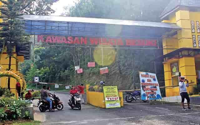 Pengunjung pun Putar Balik Kawasan Wisata Besuki Masih Tutup