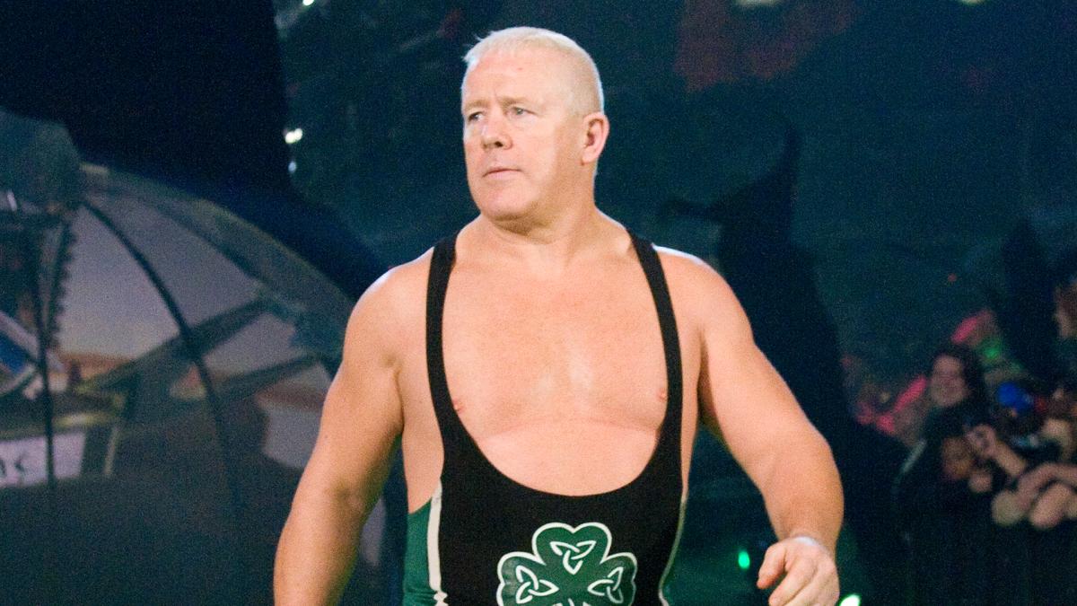 Fit Finlay retorna como produtor na WWE
