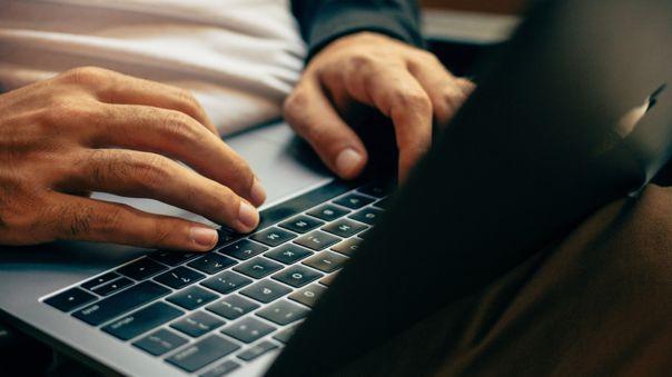 Desconexión digital: Trabajadores podrán evitar correos y mensajes de WhatsApp en días de descanso