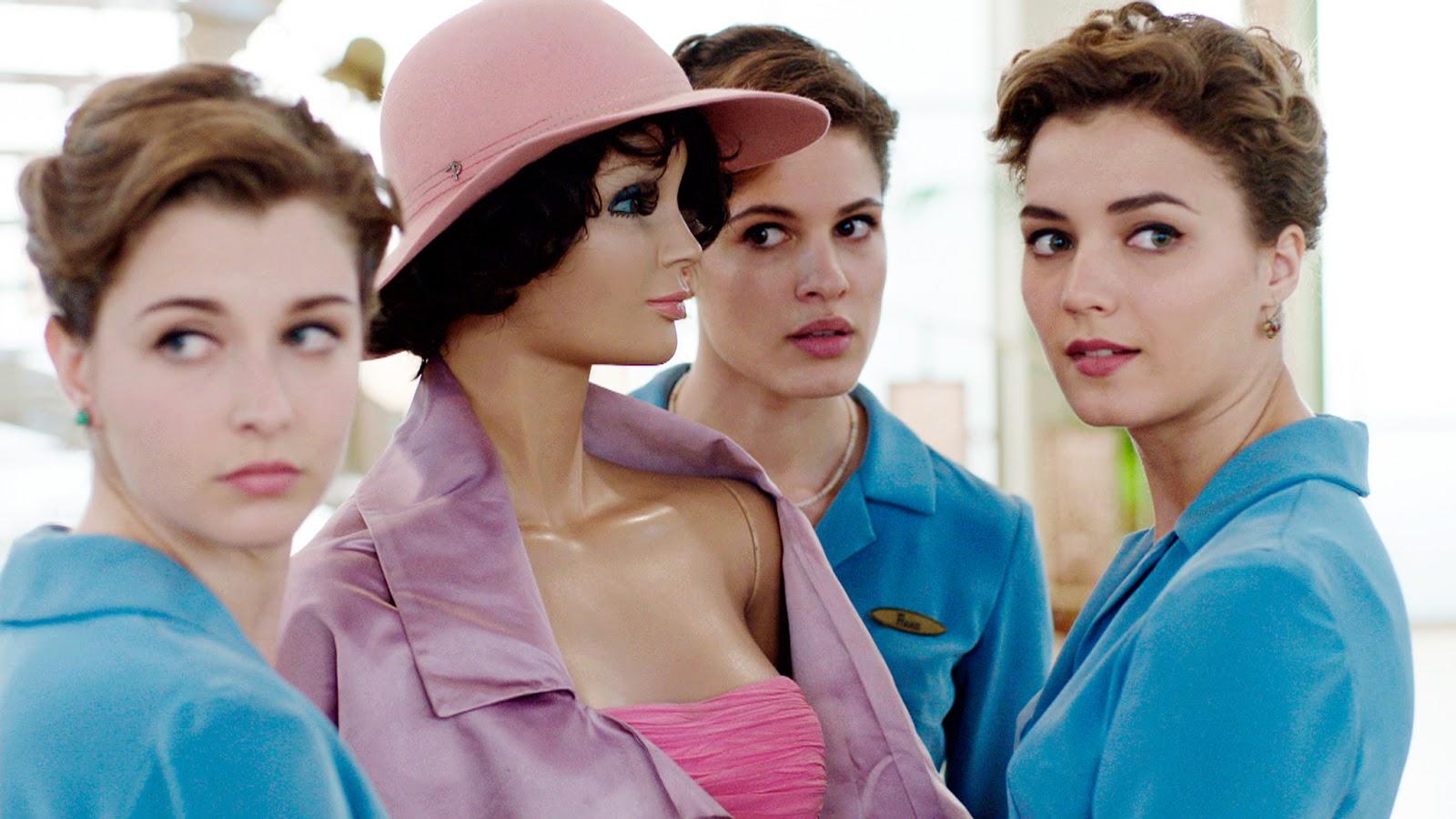 H&M:n liikeidea on tarjota muotia ja laatua parhaaseen hintaan, vastuullisesti. Perustamisestaan lähtien H&M on kasvanut yhdeksi maailman johtavista muotialan yrityksistä. Tämän sivuston sisältö kuuluu tekijänoikeussuojan piiriin ja kaikki tekijänoikeudet kuuluvat H & M Hennes & Mauritz AB:lle. H&M.