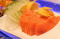Salmon Sashimi in Niu by Vikings