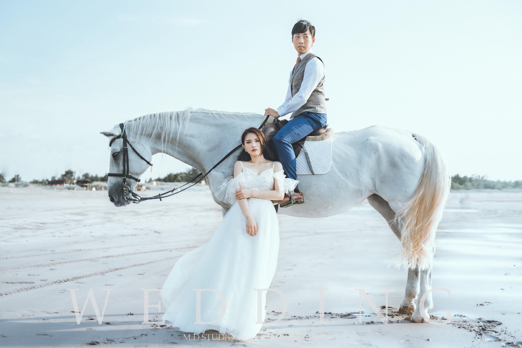白馬風格婚紗 雜誌風 台北婚紗推薦 歐洲風格婚紗 美式風格 逆光婚紗 台北婚紗推薦 海邊黃昏夕陽