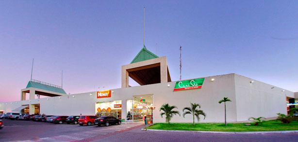 O North Shopping Maracanaú é uma caso berrante de desrespeito com a pessoa  deficiente. A Calçada que circula aquele empreendimento é de uma total  falta de ... 08e357648669b