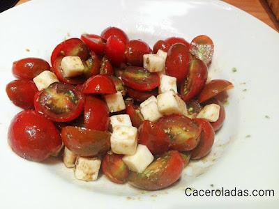 Ensalada de tomates cherry