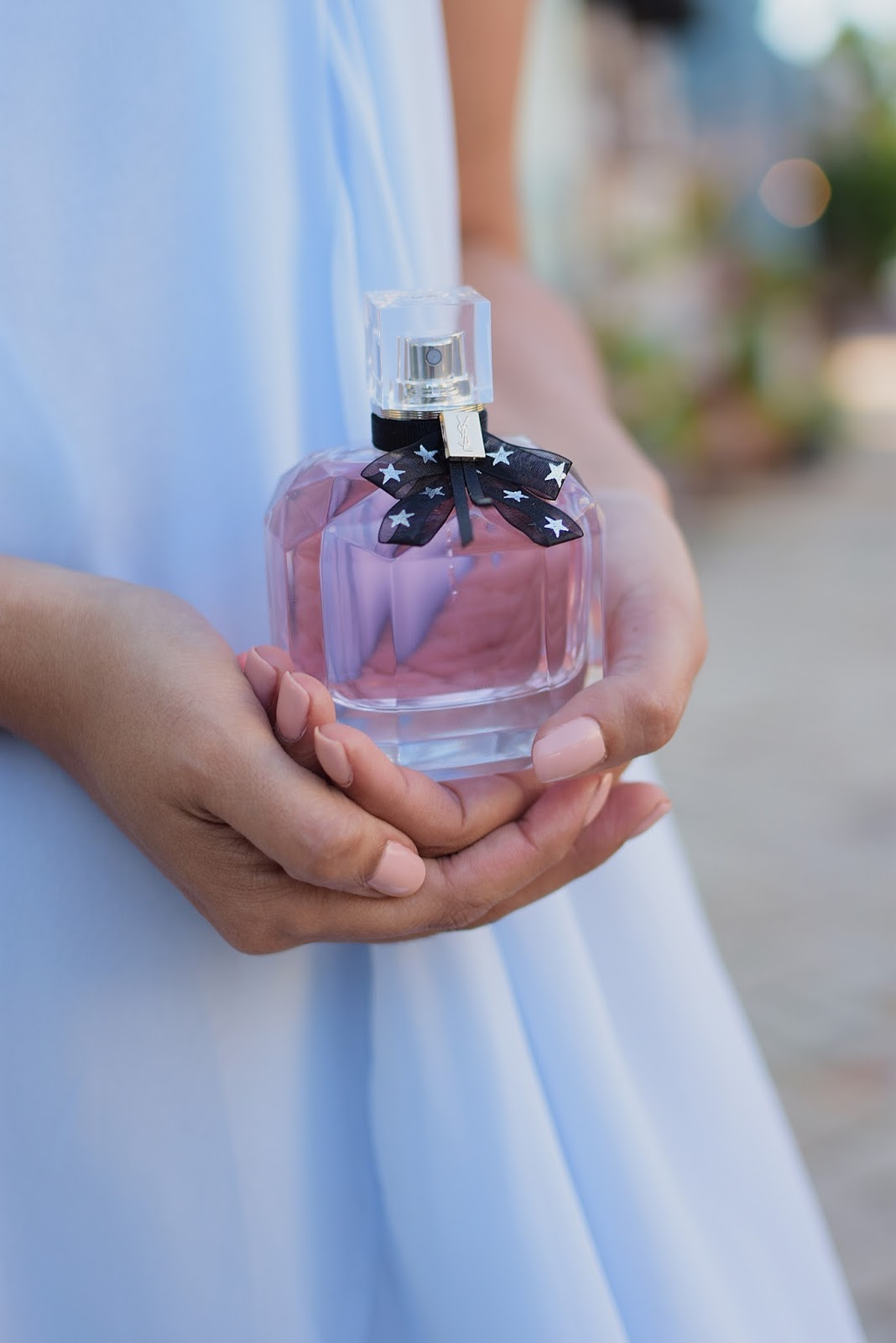 Mon Paris Eau de Parfum Star Collector A feminine fragrance, inspired by Paris, the city of love by MariEstilo.