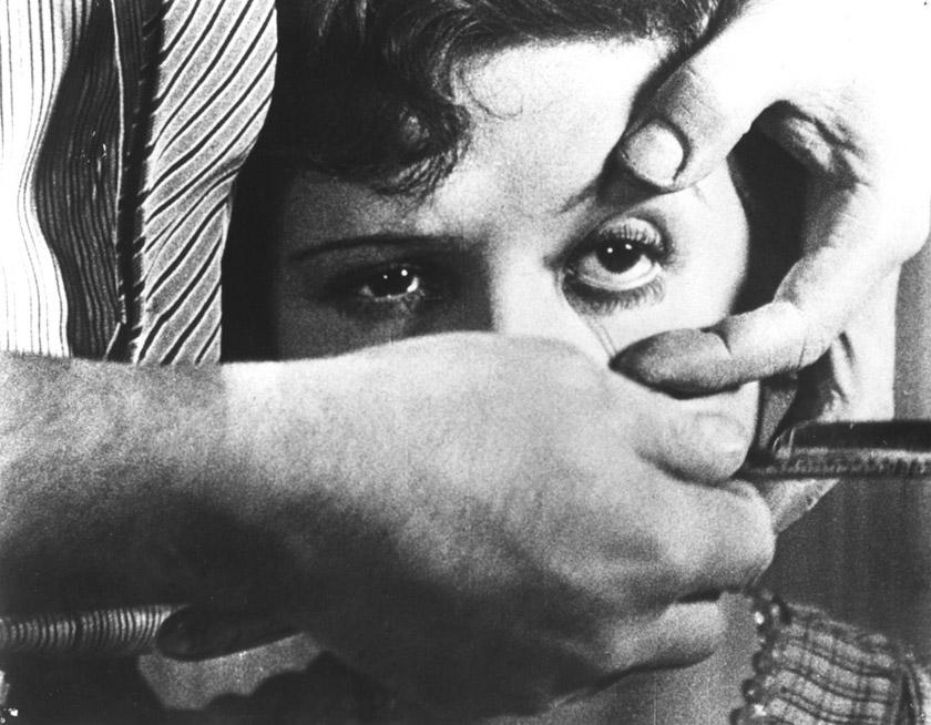 Кадр із фільму «Андалузький пес»