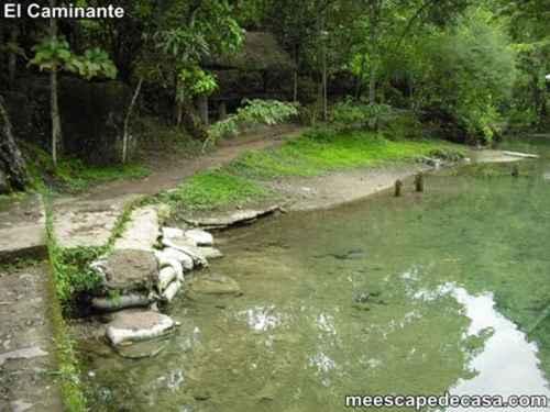 Río Tioyacu cerca a las tuberías (Rioja, Perú) 1