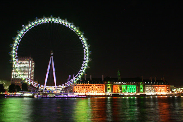 The London Eye and the Thames at night, Photo by Carl Dombek