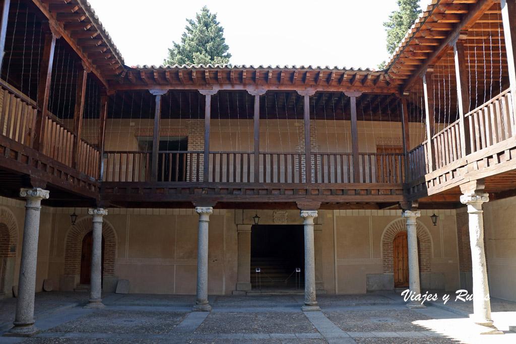 Real Hospital de Madrigal de las Altas Torres