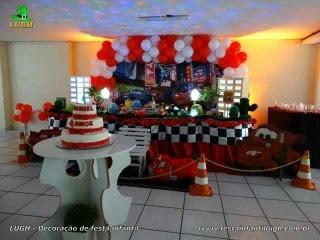 Decoração mesa de aniversário luxo de tecido Carros Disney