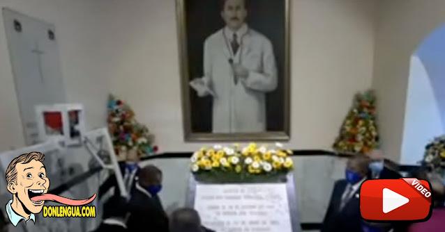 En la tumba de José Gregorio Hernández solo se encontraron con esto