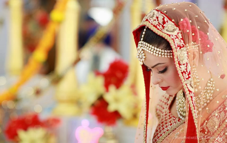 http://1.bp.blogspot.com/-yH2-ZboozWo/UsGAOTuYIFI/AAAAAAAAOb8/G2QLP534uc0/s1600/tv-actress-aamna-sharif-wedding-photos+(17).jpg Aamna Sharif Wedding