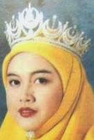 diamond crescent tiara selangor malaysia queen tengku ampuan rahimah permaisuri siti aishah