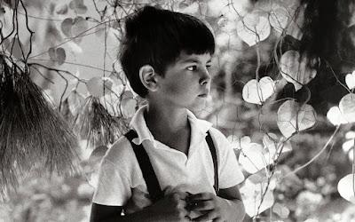 Ο γιός του Λεωνίδας Εμπειρίκος σε νεαρή ηλικία, φωτογραφημένος από τον πατέρα του