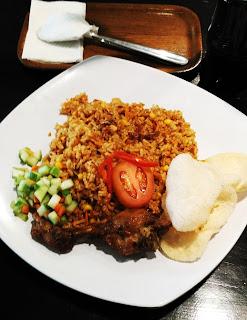 Karedok dan Nasi Goreng Enak Gila Rumah Qte Cafe And Resto