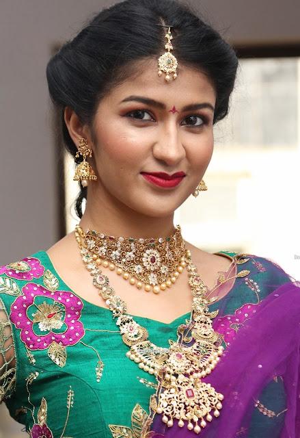 Riya Singh Choker and Long Haram