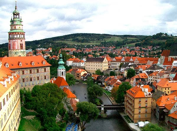 8.) Český Krumlov, Czech Republic - Welcome To The 19 Most Charming Places On Earth. They're Too Perfect To Be Real.