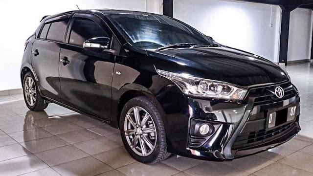 Mobil Bekas Toyota Yaris G AT 2015 Hitam