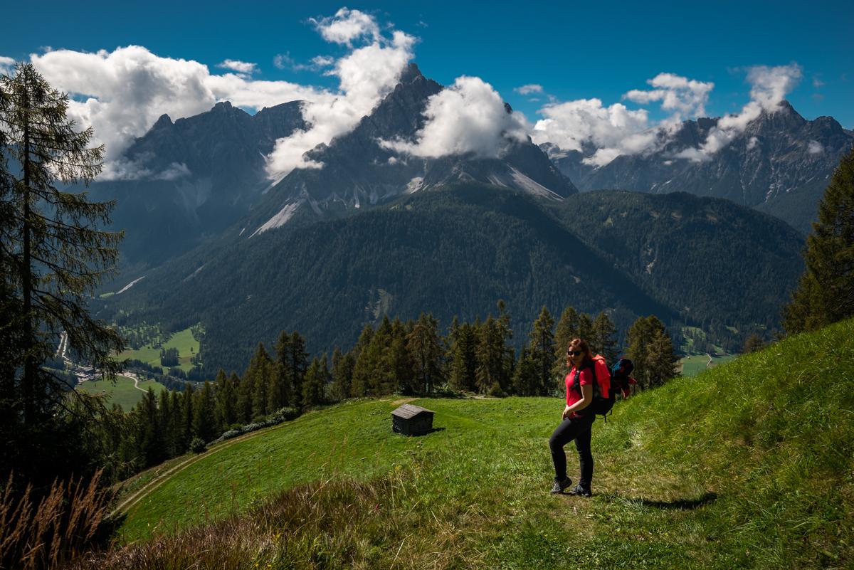 Szlaki w Alpach - Widok na Dolomity