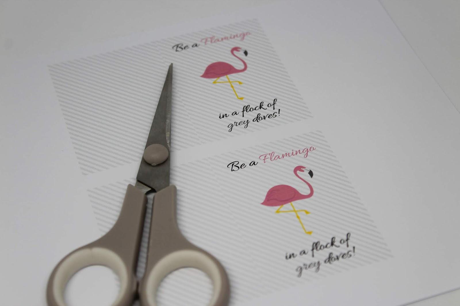 DIY: 3 geniale, schnelle und einfache Flamingo Bastelideen - Flamingo Geschenkkarte