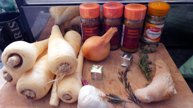 Easy Roasted Parsnip Soup Recipe