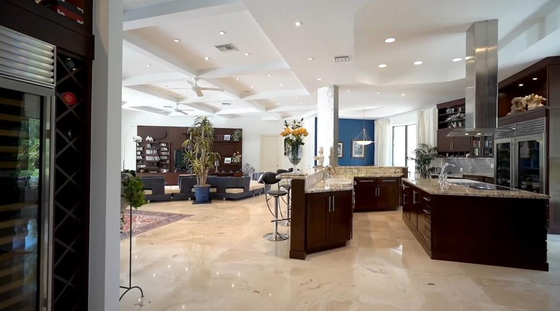 Tour 2494 Se Ranch Acres Cir, Jupiter, FL vs. Interior Design Photos