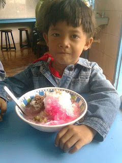 Fery Junior di Warung Es Rampal Pak Dji tahun 2011