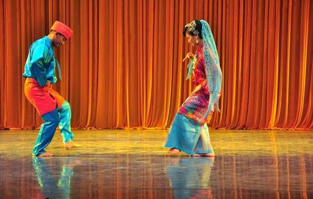 yaitu salah satu dari sekian banyak tari tradisional di nusantara yang menjadi warisan b Mengenali Tari Serampang Dua Belas, Warisan Budaya Melayu Deli