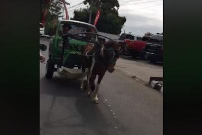 Penampakan mobil sepotong dari depan