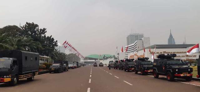 Menhut era SBY: Jelang Pelantikan Jokowi, Wajah Gedung MPR-DPR Menyeramkan