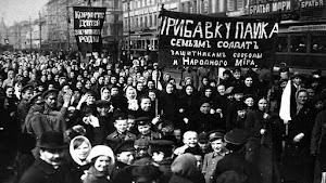 """Wanita Soviet — Warga Negara """"Penuh"""" dan """"Setara"""""""