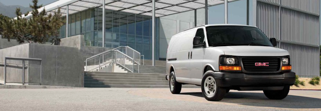 2015 GMC Savana white