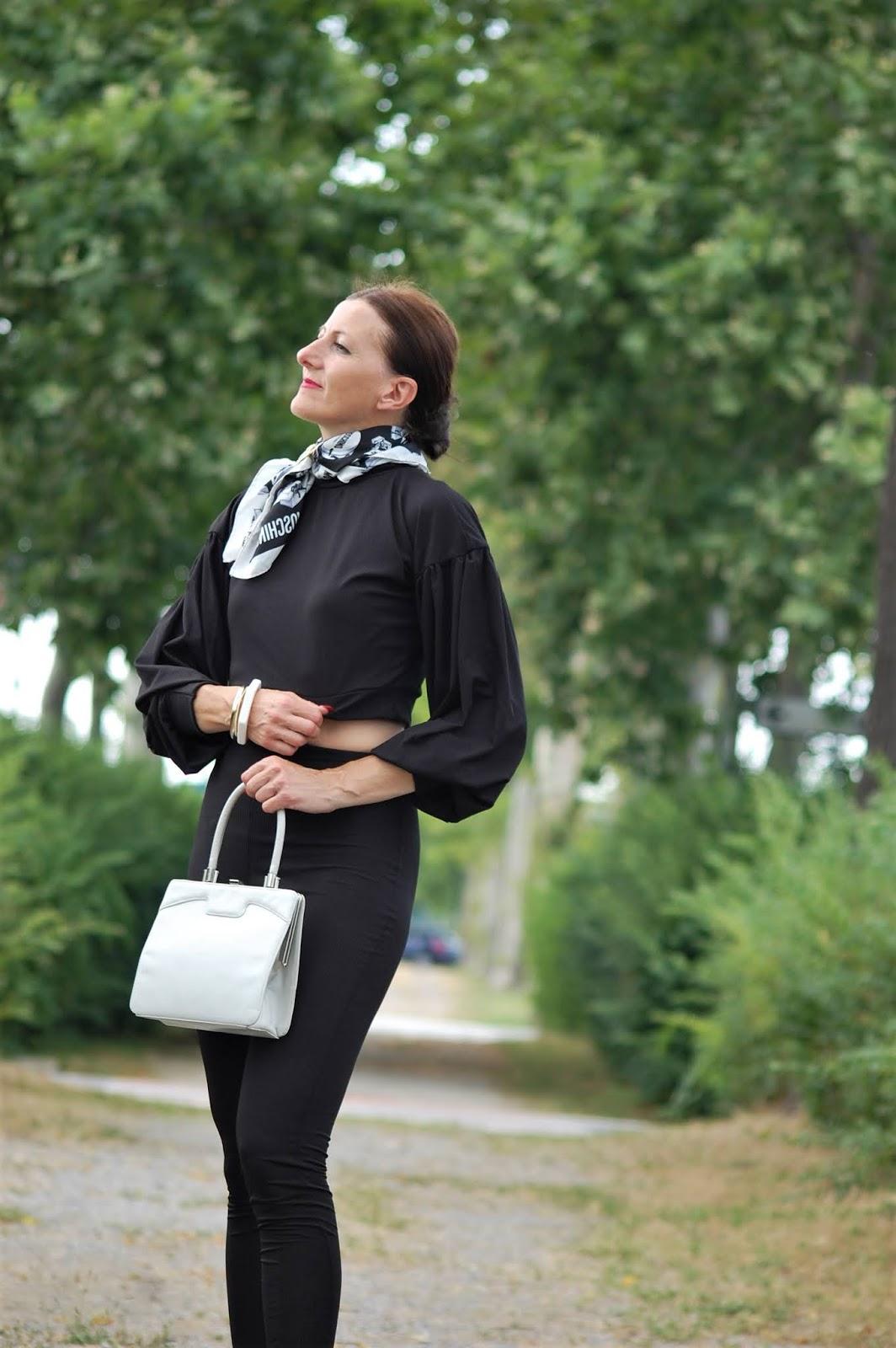 fashion blogger top