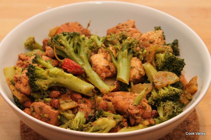 cookvalley - tanker om mad: Fastfood, but not fatfood: Kylling med broccoli, krydderier og peanuts