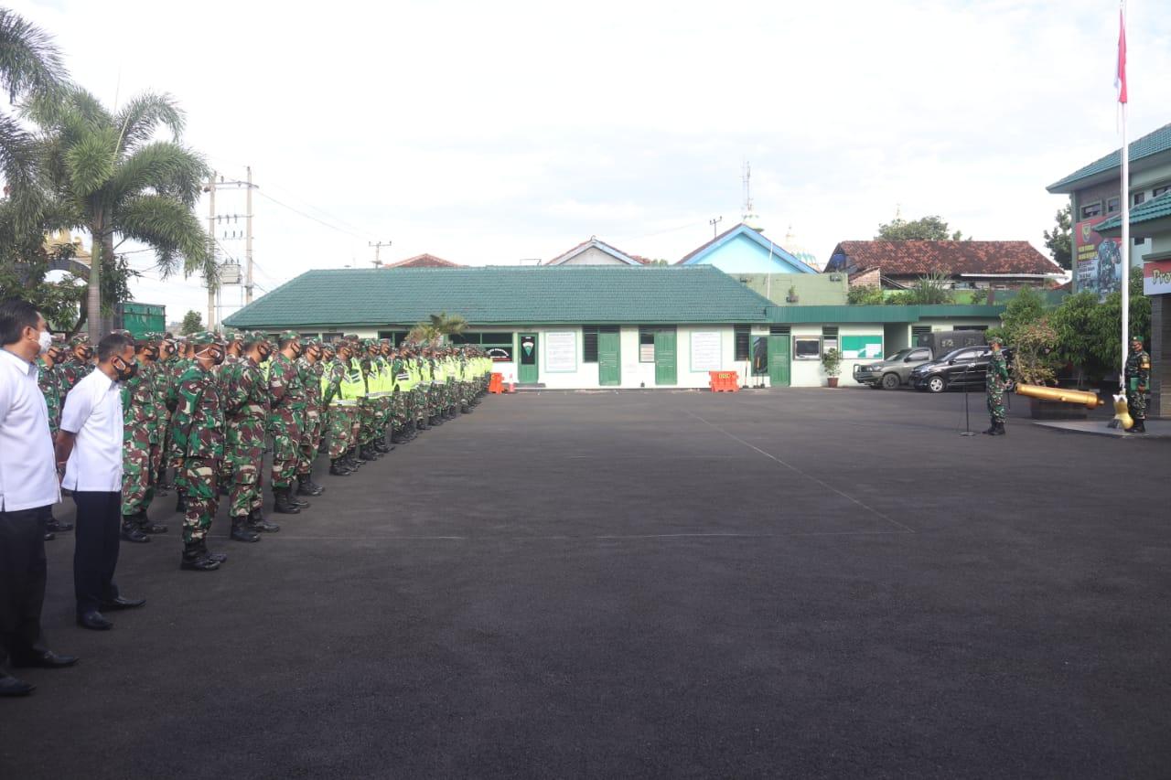 Kodim 0410/KBL Kolonel Inf Romas Herlandes, SE.,M.Si.,M.M. memimpin pelaksanaan kegiatan Apel pengecekan personel dalam rangka pengamanan Natal dan Tahun Baru 2021