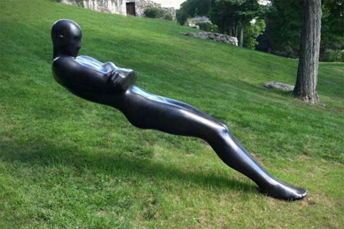 Tilt sculpture