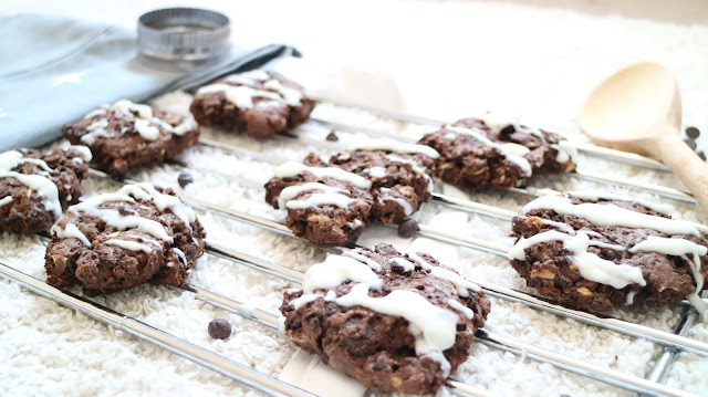 Vegan, Vegetarian, valentines, oreo, chocolate, almond, cookies, dairy free, yum, tasty, recipe