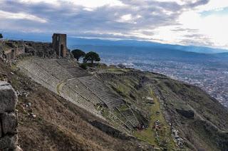 Pergamos Theater Photo by Ahmet Demiroğlu on Unsplash