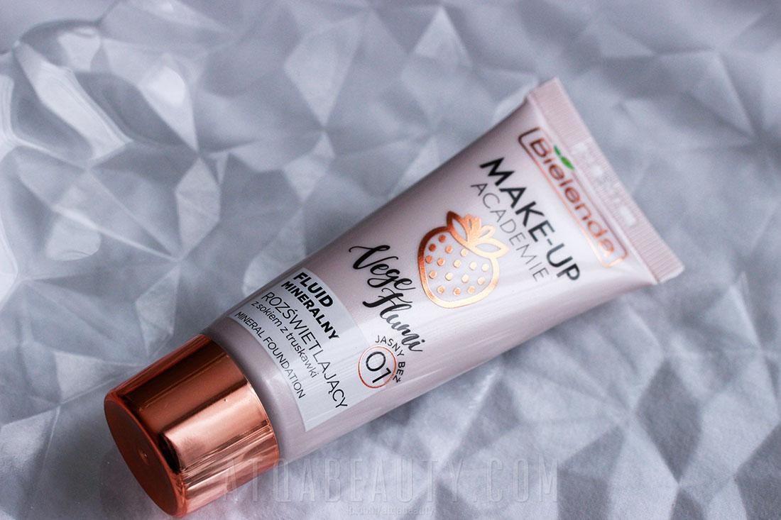 Makijaż :: Truskawkowe wow? Bielenda MAKE-UP ACADEMIE VEGE FLUMI Fluid mineralny rozświetlający z sokiem z truskawki