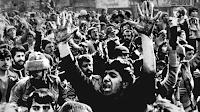 Pengertian Revolusi, Syarat, Tipe, dan Contohnya
