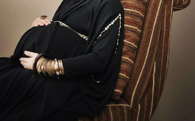 Kisah Nyata :: Istri Hamil Tua Suami Menyiksa Orang Buta, Bayinya Lahir Aneh bin Ajaib Seperti Ini....