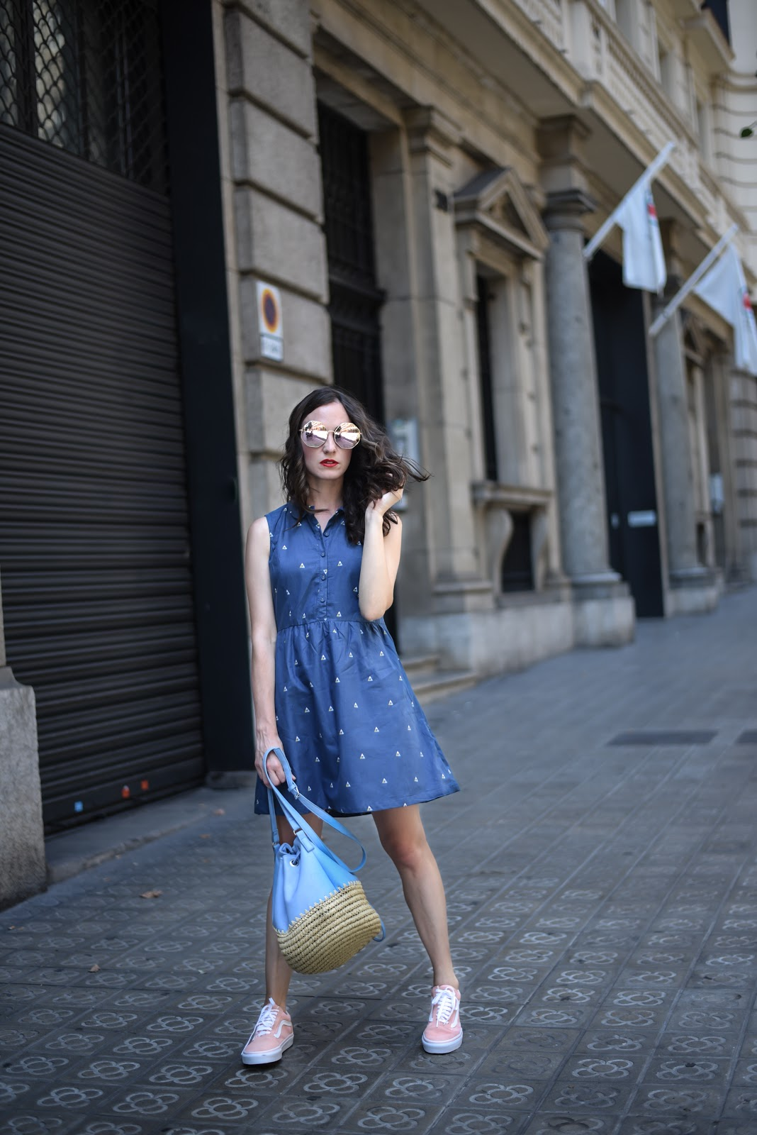 dress_and_sneakers_vans_look