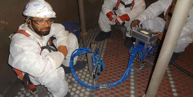 Carga de catalizadores sólidos en reactores tubulares