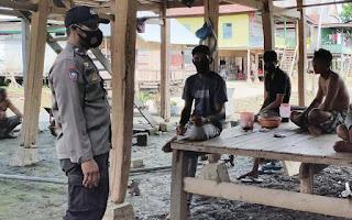 Bhabinkamtibmas Polsek Tempe Polres Wajo Lakukan Sambang Dialogis Dengan Warga Bakke Orai