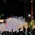 UŽIVO: Beograd: Policija pokušava razbiti proteste suzavcima, demonstranti ne odustaju s napadima